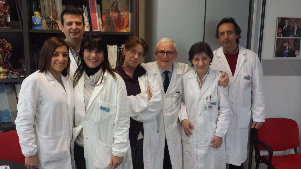Il gruppo di ricerca sulla celocentesi, da sinistra: Cristina Passarello Filippo Leto Giovanna Schillaci Francesca Damiani Aurelio Maggio Maria Piccione Antonio Giambona